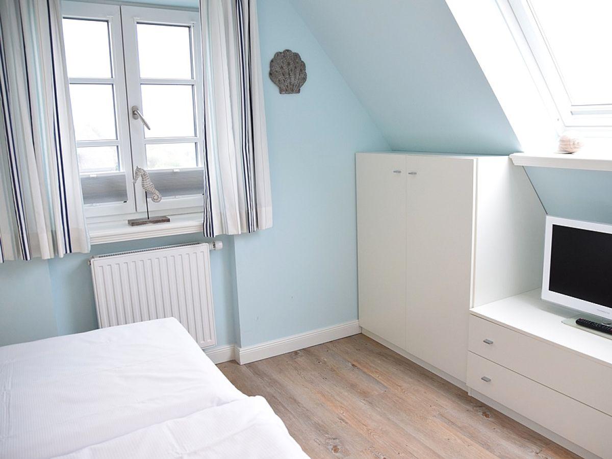tv im schlafzimmer. Black Bedroom Furniture Sets. Home Design Ideas