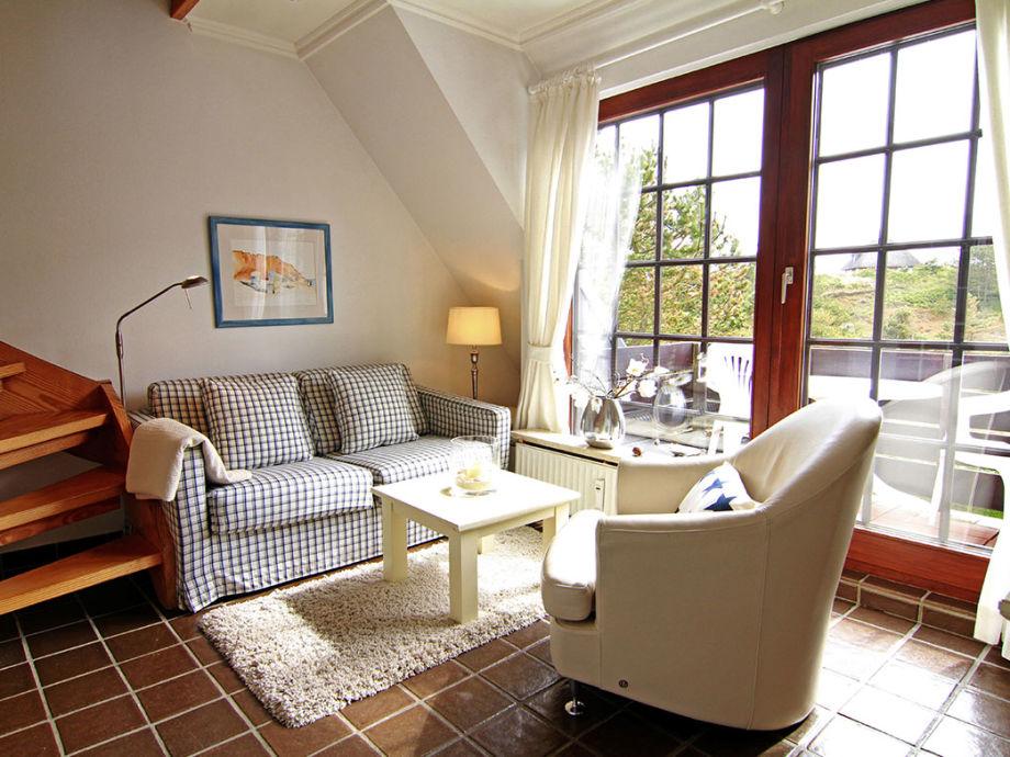 Wohnzimmer mit Balkon und Blick nach Süd-West