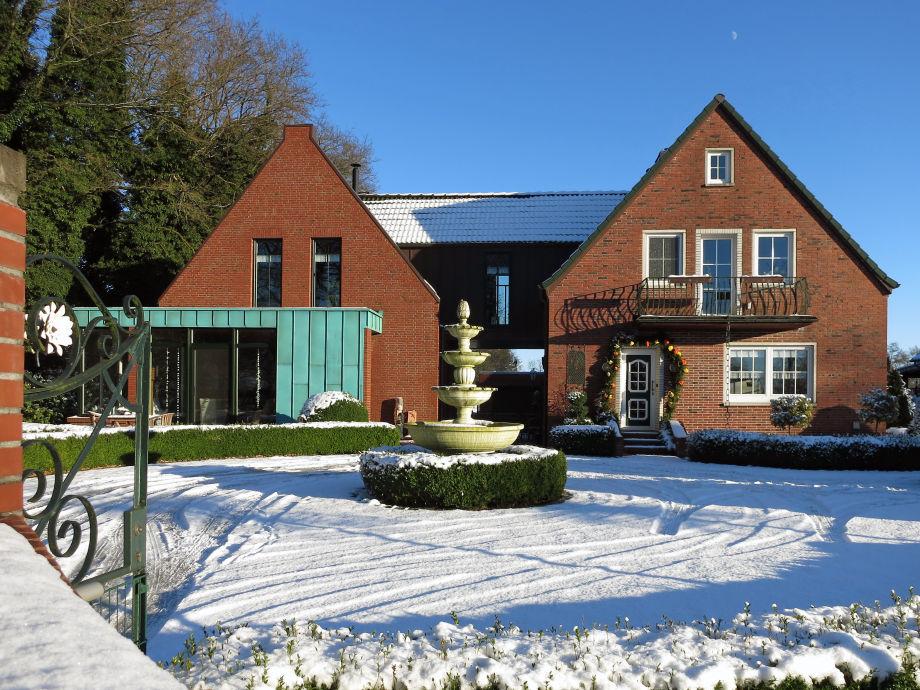 Frontansicht Haus im Winter (FeWo rechts unten)