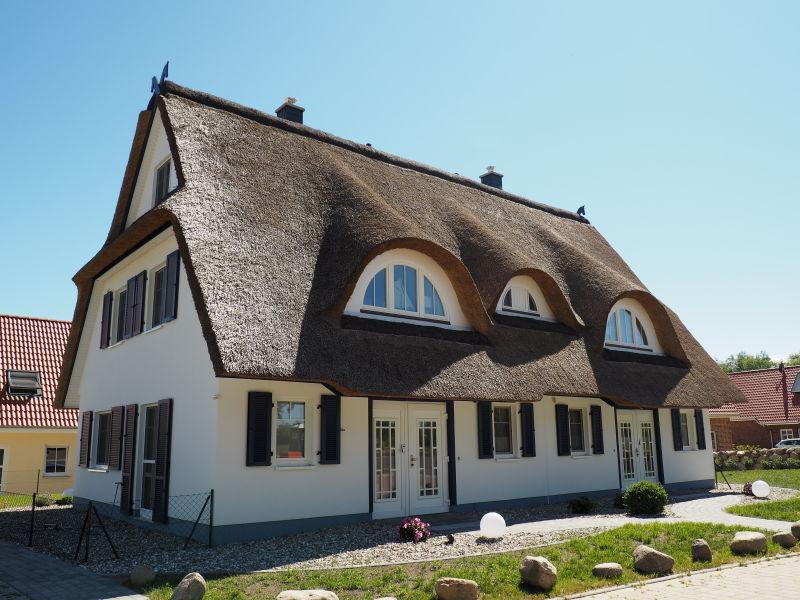 """Ferienhaus Küstentraum """"Träumen unter Reet"""""""