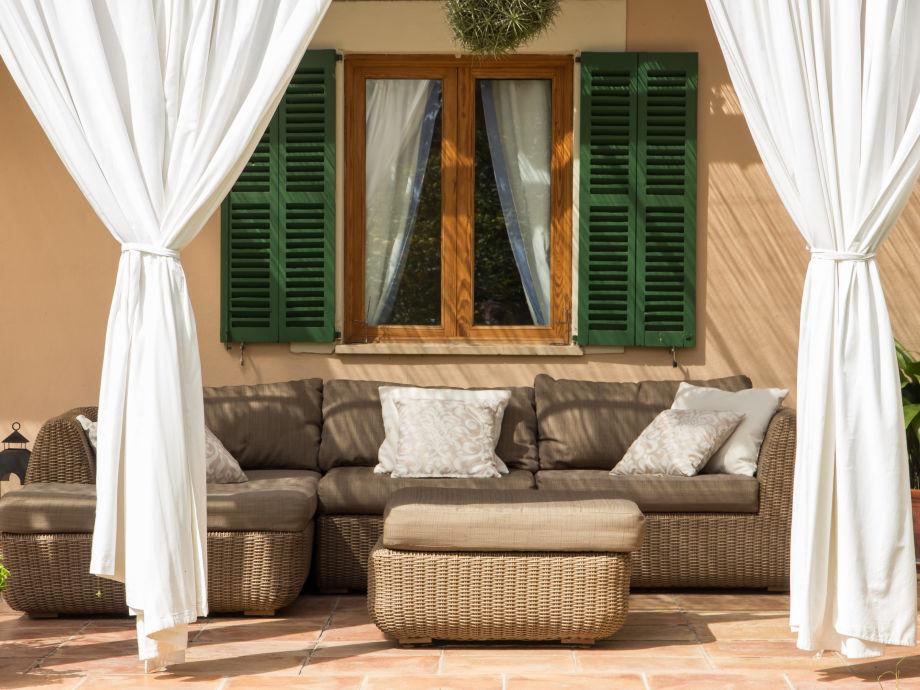 Das kuschelige Sofa auf der Terrasse