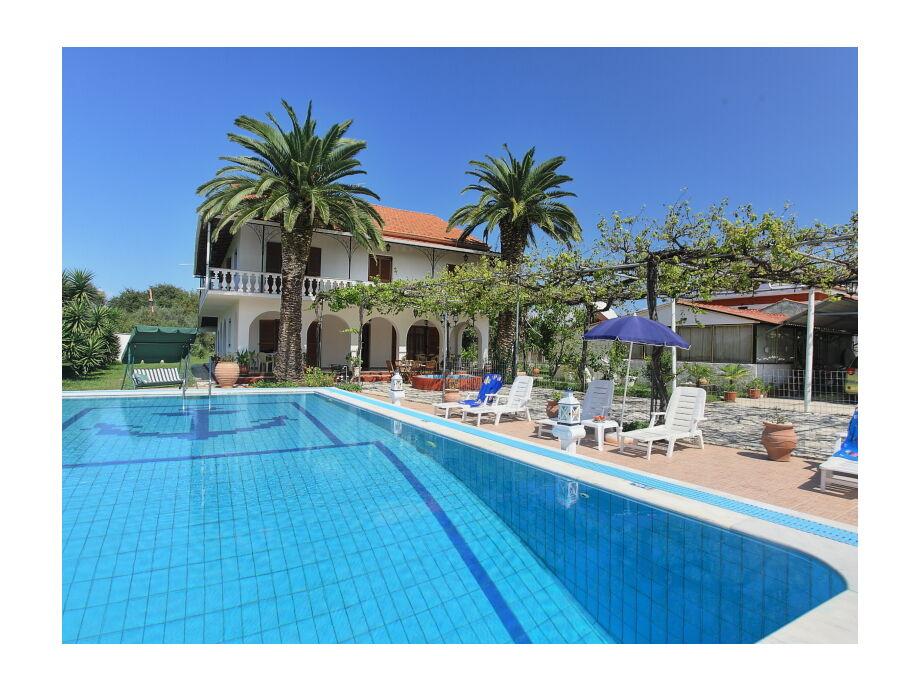 Ferienhaus mit Pool auf Korfu
