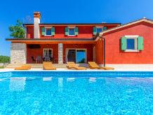 Villa Villa Magenta