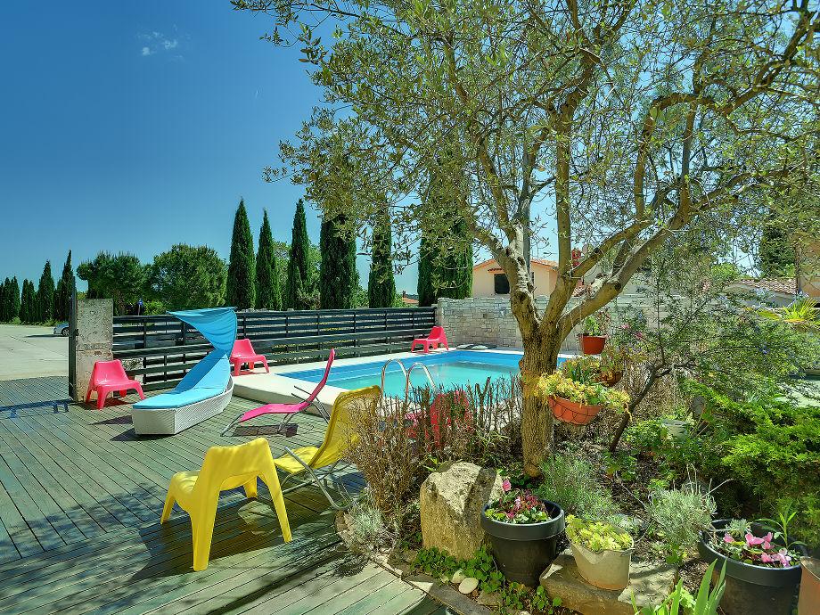 Villa Monte Serpo - Poolbereich & Ausstattung