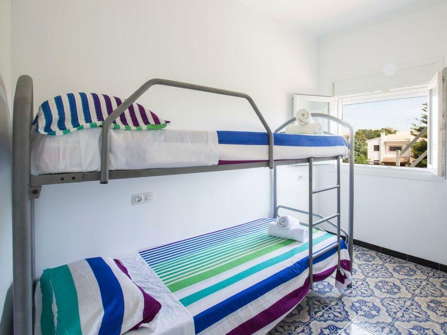 Das Schlafzimmer mit Etagenbett