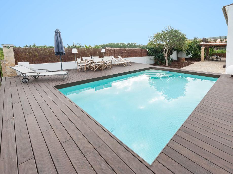 Herrlicher Pool der Villa