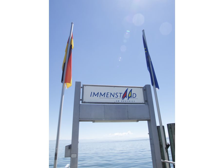 Ferienhaus NDT Nurdachhaus im Ferienpark Immenstaad, Bodensee - Frau ...
