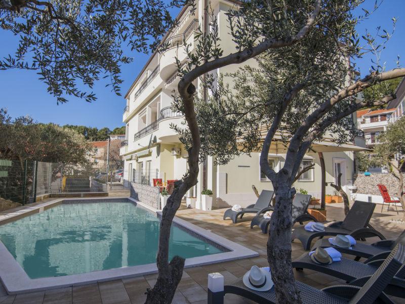 Ferienwohnung Deluxe Villa Matija mit Pool