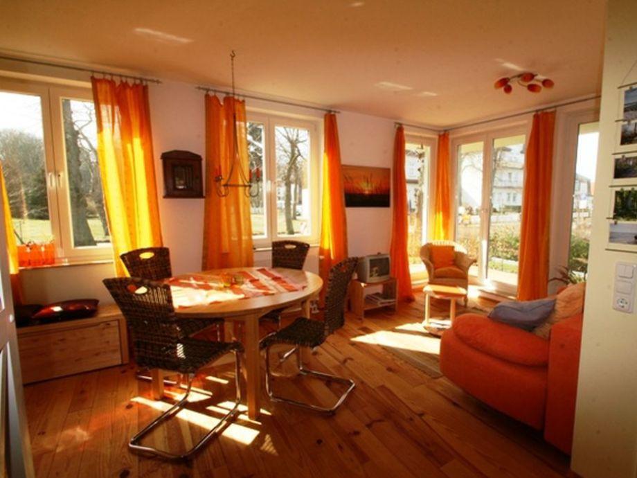 Wohnbereich mit Esstisch