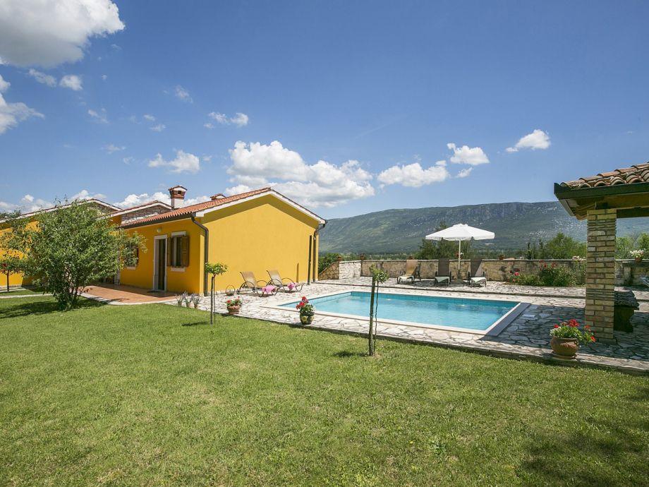 Property Villa Paola