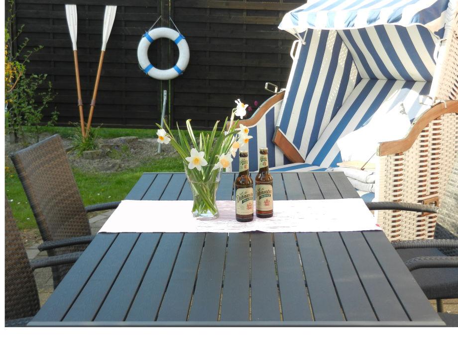 Terrasse mit Strandkorb Ferienhaus Nordseejuwel