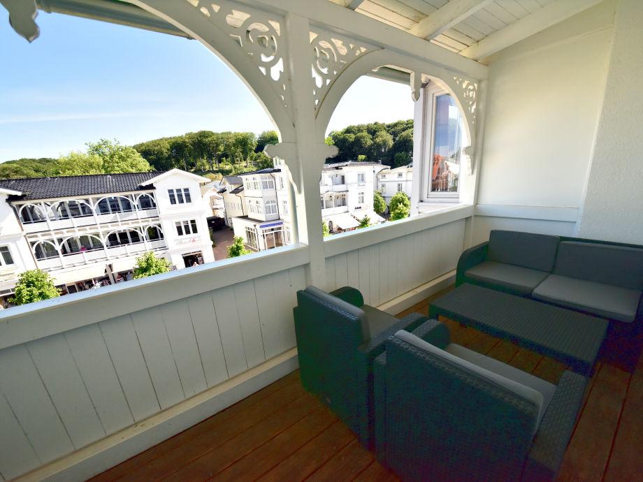 Lounge und Balkon