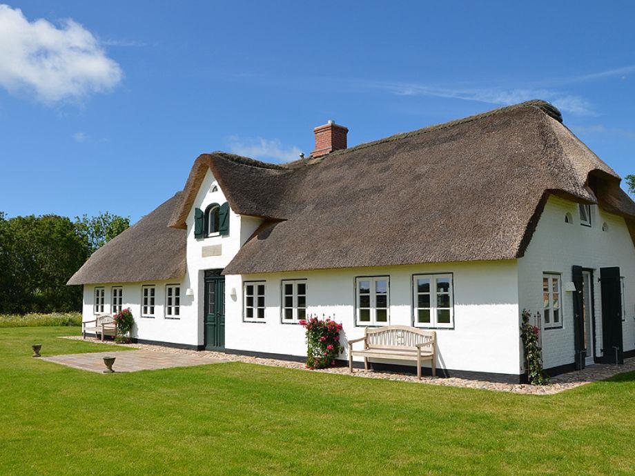 Historisches Einzelhaus unter Reet