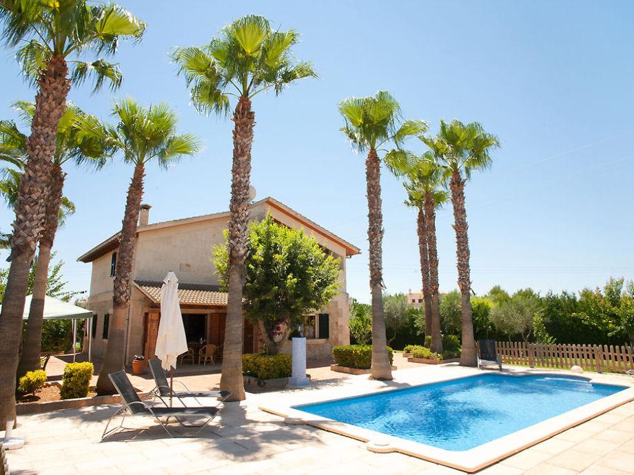 Villa Agueda Außenansicht mit Pool