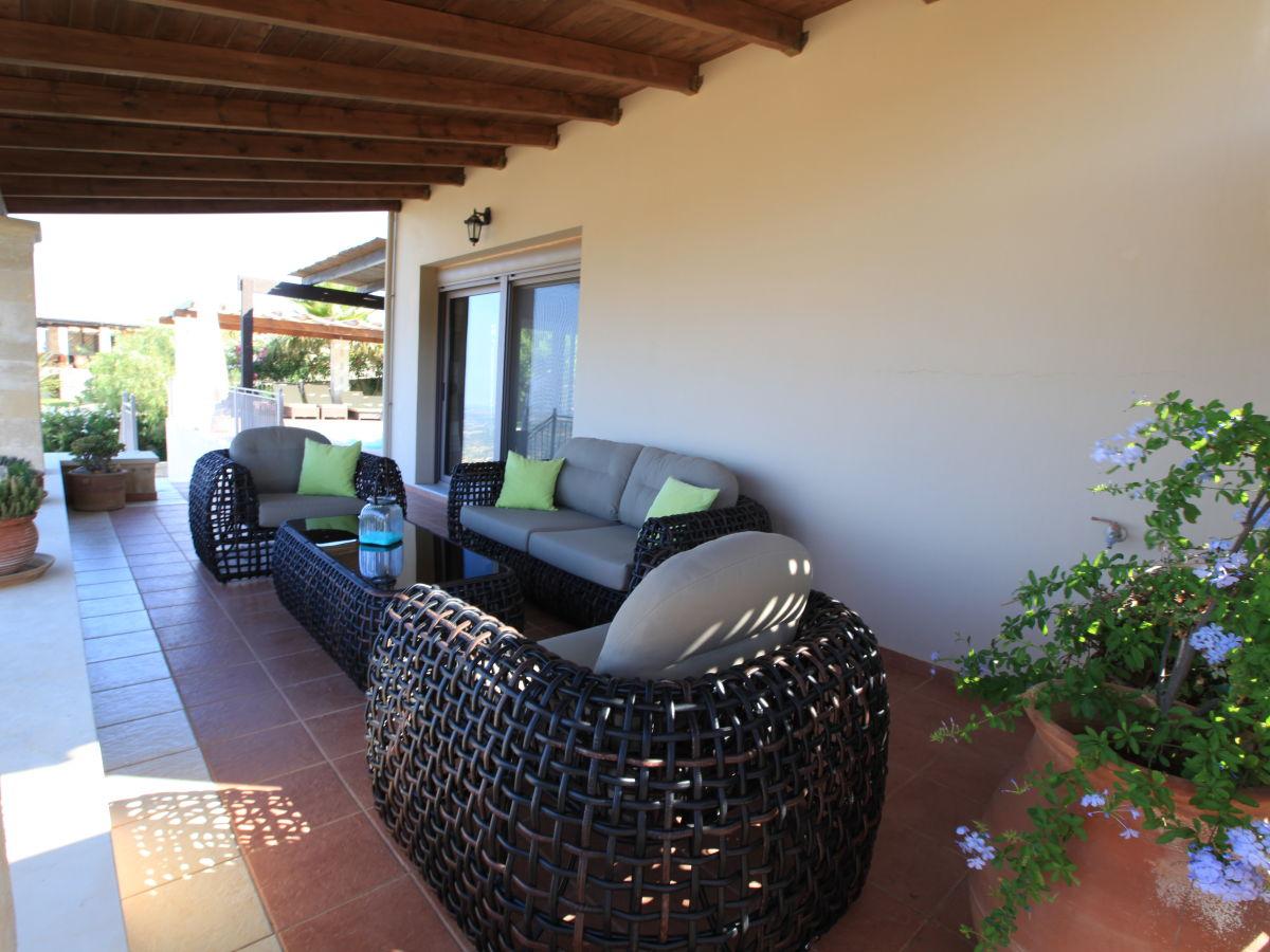 ferienhaus villa maffeo mit weitblick rethymnon kastellos herr josef beibl. Black Bedroom Furniture Sets. Home Design Ideas