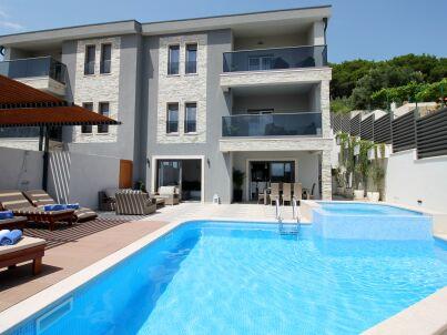 Luxus-Villa Bane