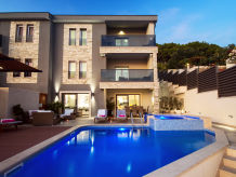 Holiday house VILLA BANE with heated 32m2 pool, whirlpool & gym