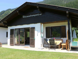 Wiesenbungalow direct on lake weissensee
