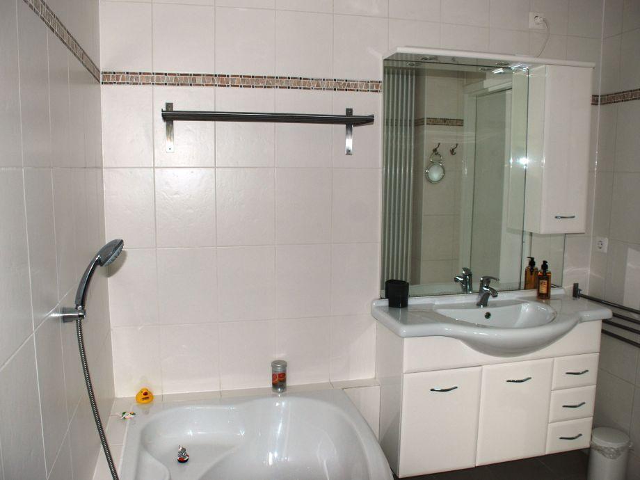 bungalow elzenmeet 8 zeeland renesse firma zeeland vakantiewoningen frau atie oder simone. Black Bedroom Furniture Sets. Home Design Ideas