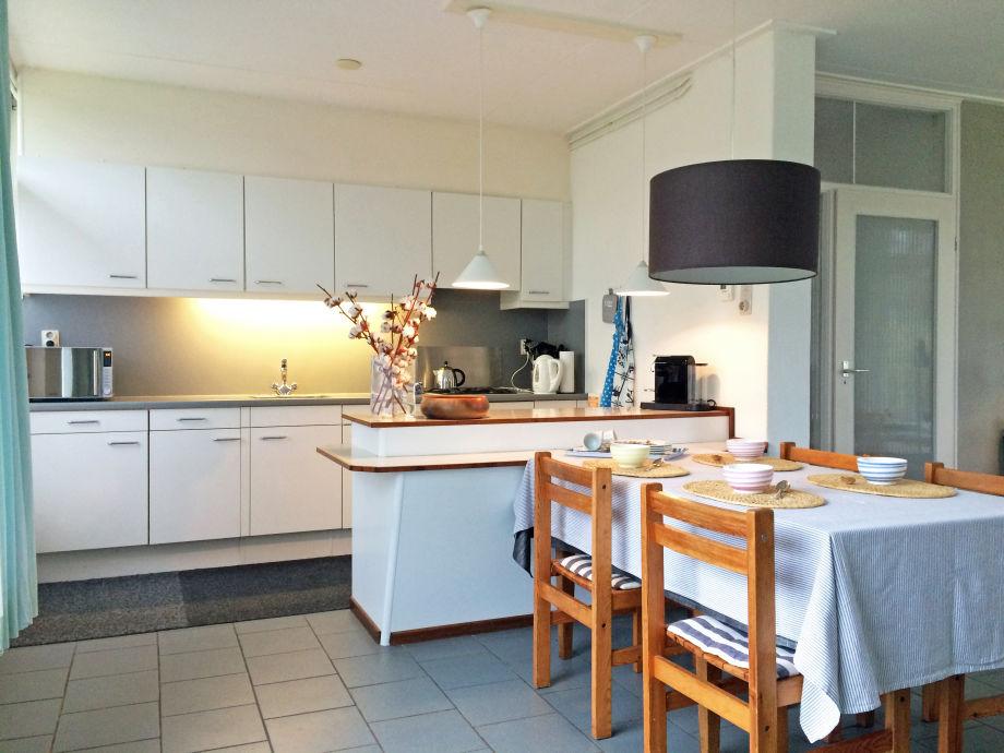 ... : Pin Moderne Offene Küche Mit Fussboden Led Beleuchtung Und on