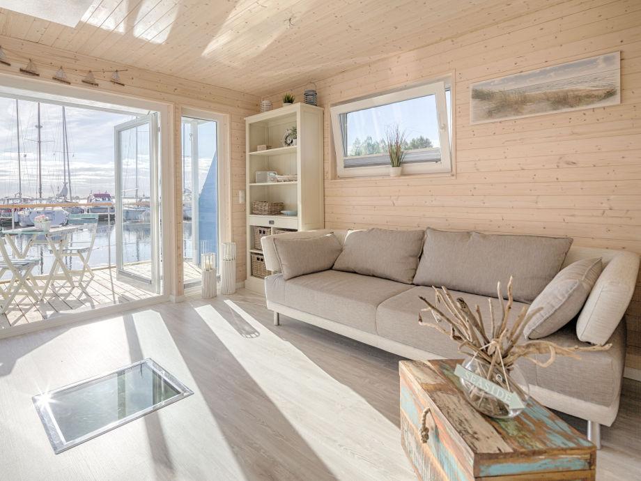 Wohnzimmer und See-Ecke