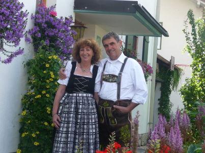 Ihr Gastgeber Ferdinand und Uta Mair