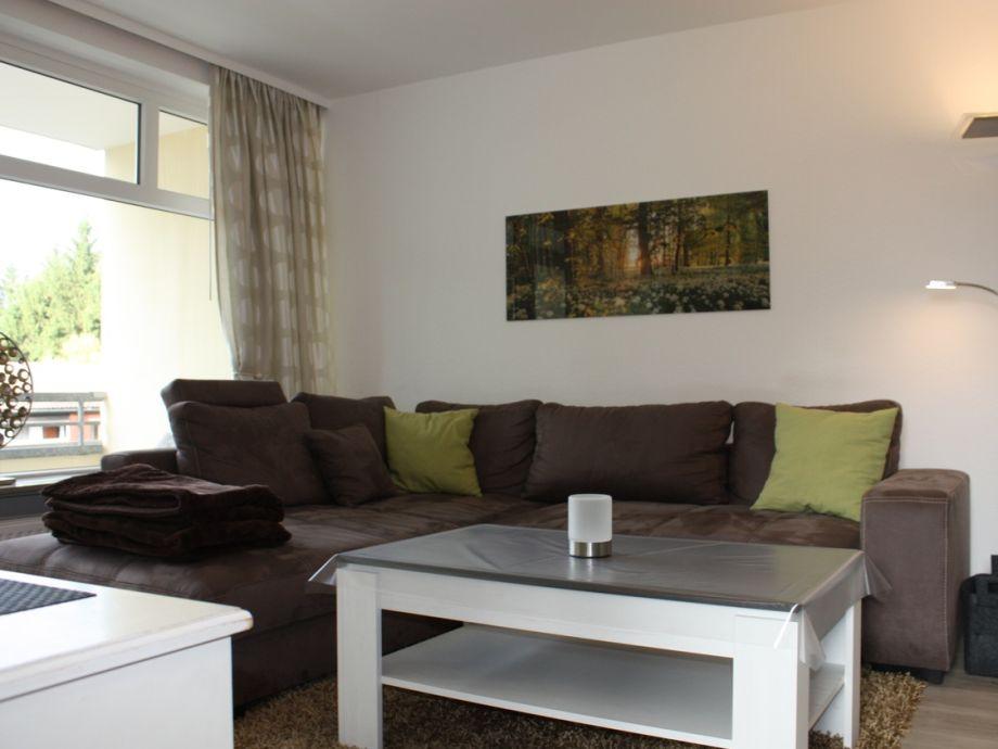 Wohnzimmer großes Sofa mit Schlafgelegenheit