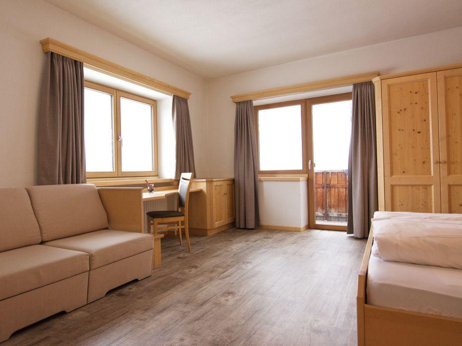 apartment bergfreiheit im das moriggl italien s dtirol firma das moriggl frau olga moriggl. Black Bedroom Furniture Sets. Home Design Ideas