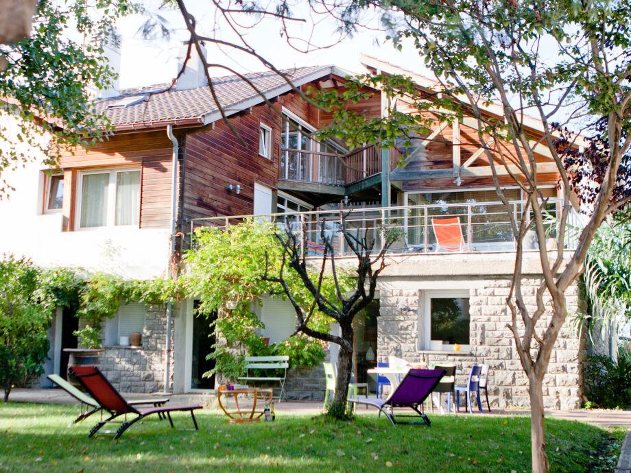 Terrasse und Garten vom Haus Jaizkibel