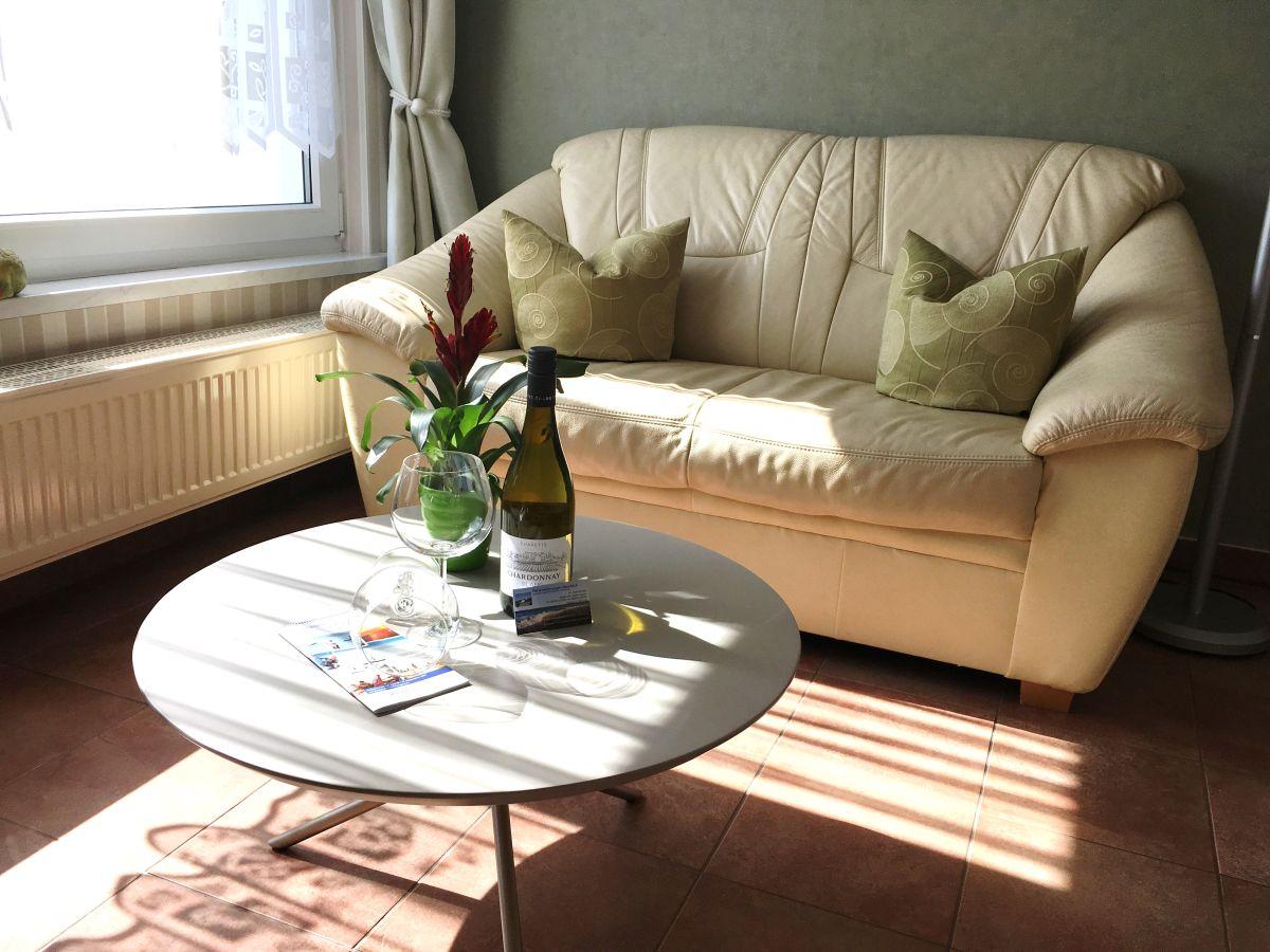 ferienwohnung meerblick 2 personen k gsdorf firma ferienwohnungen meerblick herr mario windzio. Black Bedroom Furniture Sets. Home Design Ideas
