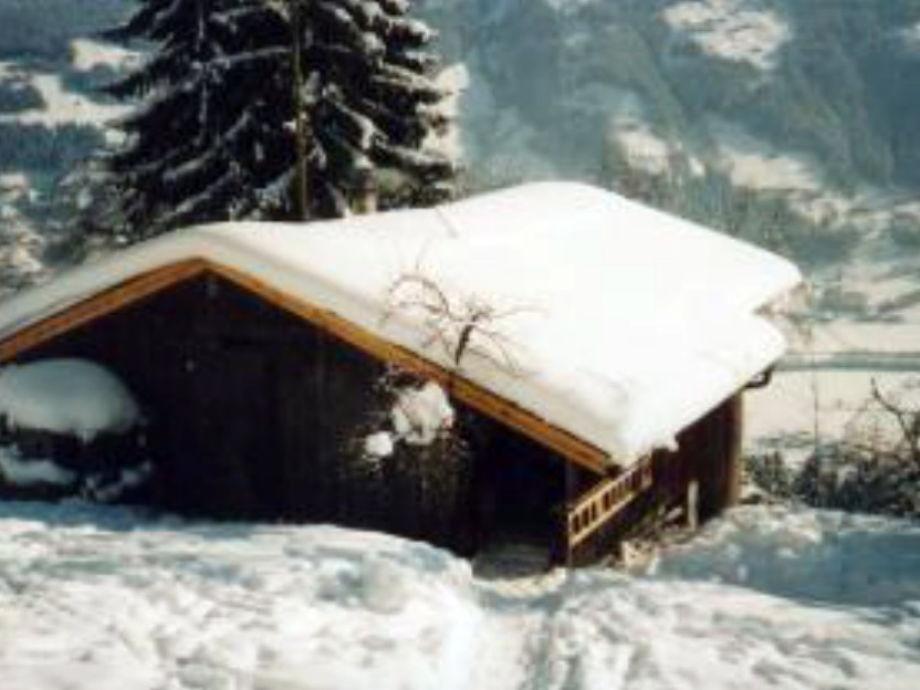 Tief verschneit im Zillertal