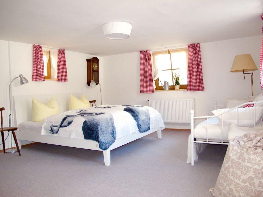 ferienwohnung hans im gl ck oberbayern garmisch partenkirchen firma alpenferienwohnungen. Black Bedroom Furniture Sets. Home Design Ideas