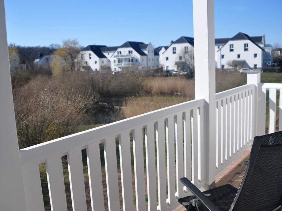Großzügiger Süd-West-Balkon mit Blick ins Grüne