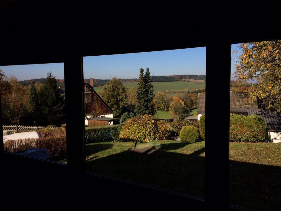 Herbstaussicht vom Sofa