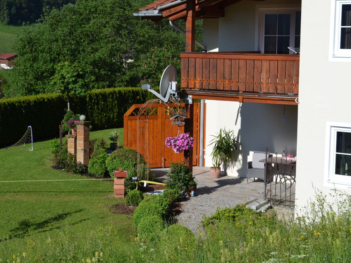 ferienwohnung watzmann appartement im ersten bergsteigerdorf deutschlands in bayern frau. Black Bedroom Furniture Sets. Home Design Ideas