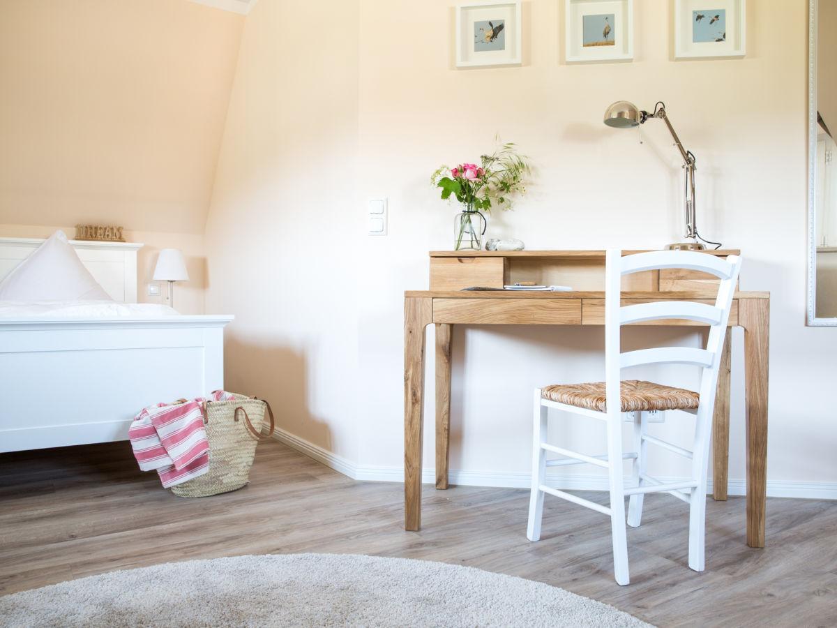 ferienhaus haubenlerche 25 fischland dar zingst fuhlendorf firma relamare gmbh frau. Black Bedroom Furniture Sets. Home Design Ideas