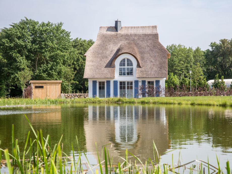 Grundstück am Teich