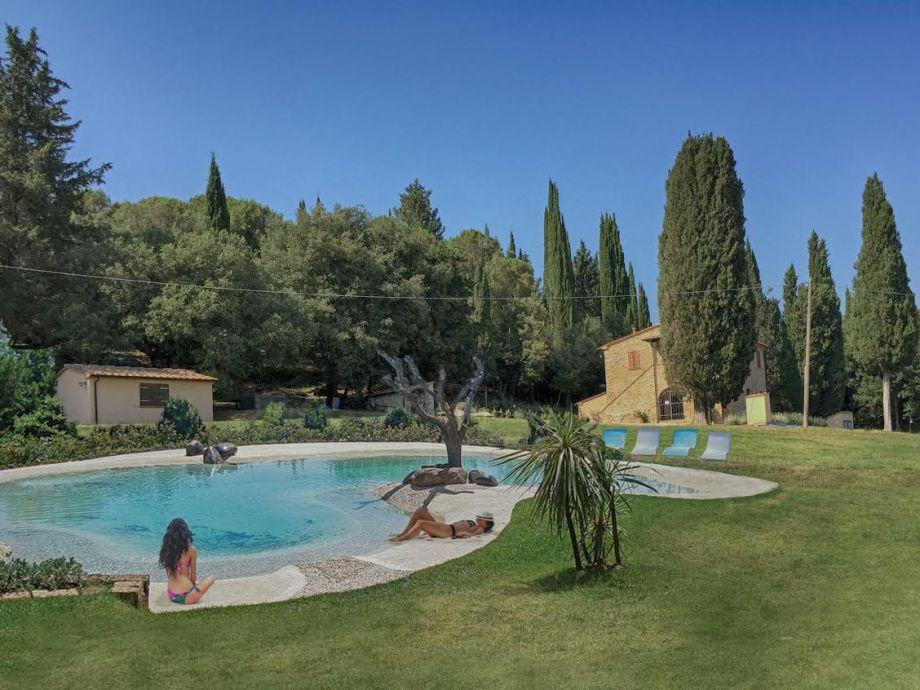 Der neue Pool der Villa