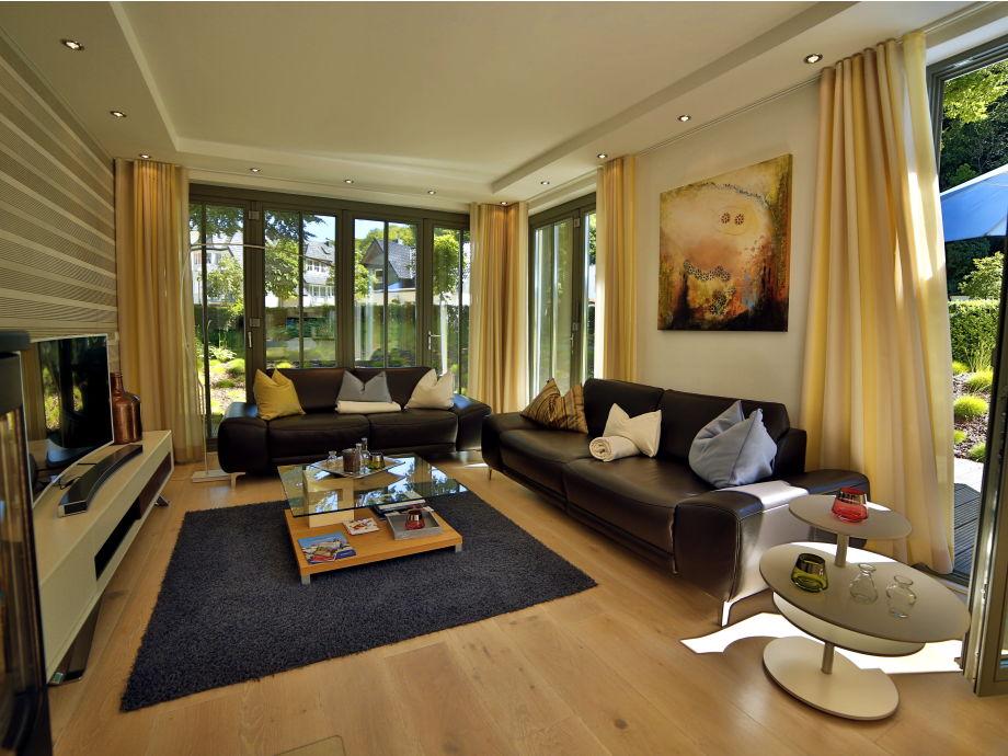 luxus wohnzimmer modern mit kamin. Black Bedroom Furniture Sets. Home Design Ideas