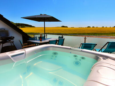 VILLA AQUILA Luxus-OG-Ferienwohnung