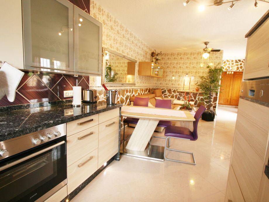 Moderne Küche unterfahrbar, Granitarbeitsfläche