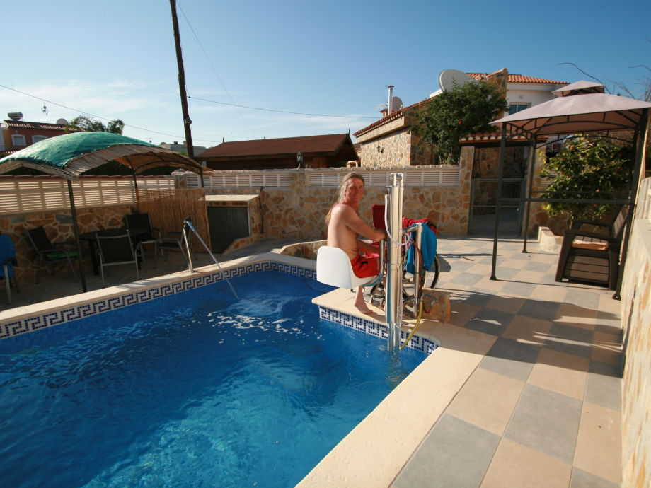 Wheelchair-accessible pool for 3 holiday homes