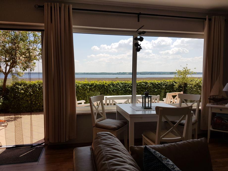 Blick aus dem Wohnzimmer auf den Kummerower See