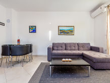 Holiday apartment Lovre
