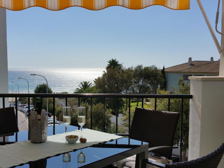 Meerblick vom Wohnzimmer-Balkon