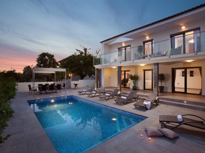 Villa Grey Soul