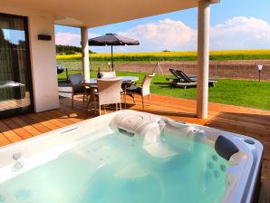 VILLA AQUILA Luxus-EG-Ferienwohnung