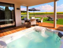 Ferienwohnung VILLA AQUILA Luxus-EG-Ferienwohnung