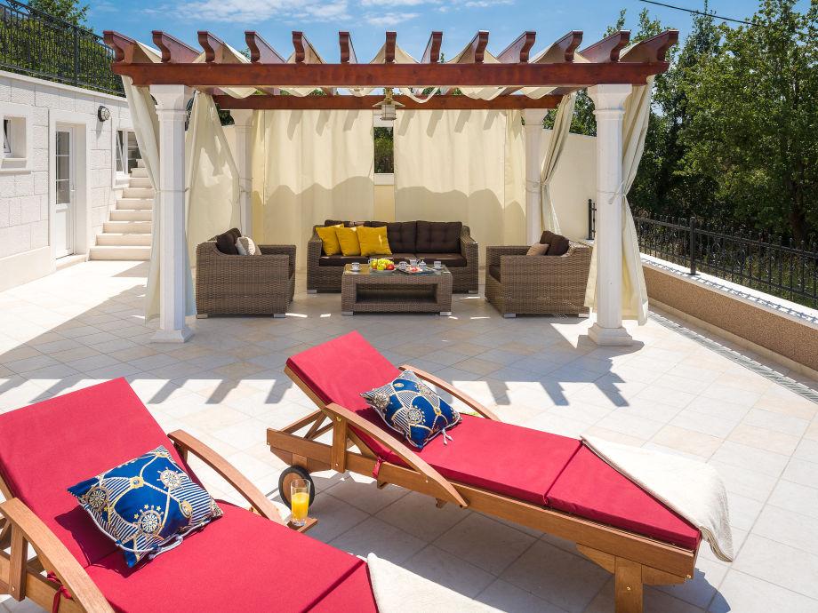 luxus villa gita dalmatien split firma feriehome frau mirjana mr ela. Black Bedroom Furniture Sets. Home Design Ideas