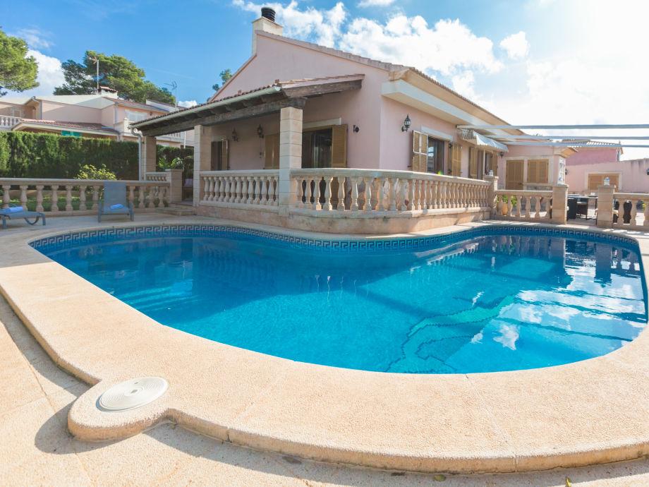 Pool des Ferienhaus Can Fama